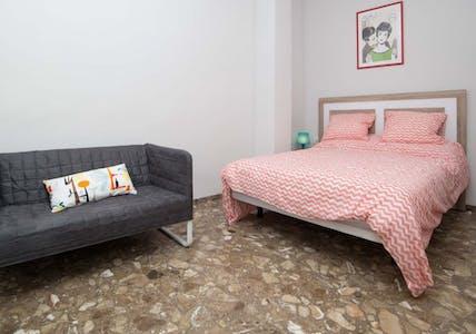 Habitación de alquiler desde 01 feb. 2018  (Carrer dels Centelles, Valencia)