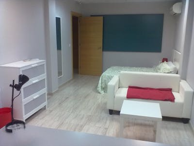 Private room for rent from 31 Oct 2019 (Carrer de Sant Vicent Màrtir, Valencia)