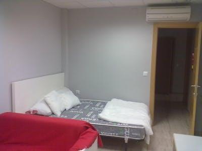 WG-Zimmer zur Miete von 01 Oct 2020 (Carrer de Sant Vicent Màrtir, Valencia)