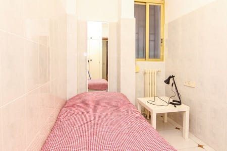 Private room for rent from 31 Aug 2019 (Carrer d'en Llop, Valencia)