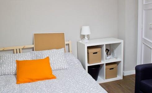 Zimmer zur Miete von 30 Juni 2018 (Carrer Mestre Palau, Valencia)