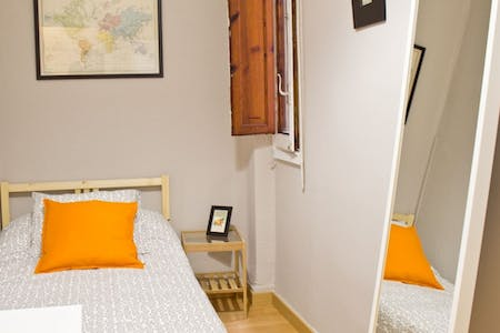 Room for rent from 31 Jul 2018 (Carrer Mestre Palau, Valencia)