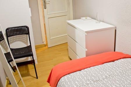 合租房间租从31 8月 2018 (Carrer Mestre Palau, Valencia)