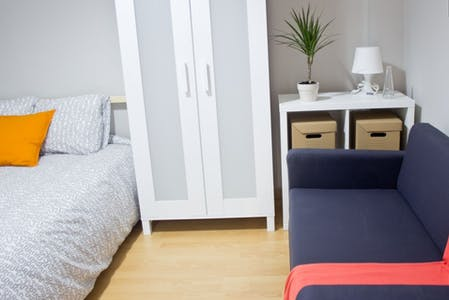 Room for rent from 18 Mar 2018 (Carrer Mestre Palau, Valencia)