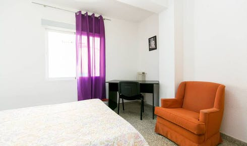 Private room for rent from 01 Jul 2020 (Calle Molinos, Granada)