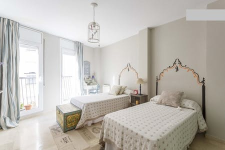 Room for rent from 23 Oct 2018 (Carrer del Sant Crist, Barcelona)