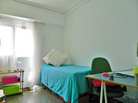 Private room for rent from 01 Feb 2019 (Carrer d'Alboraia, Valencia)