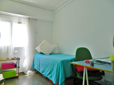 Private room for rent from 02 Jul 2020 (Carrer d'Alboraia, Valencia)