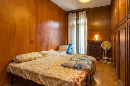 Zimmer zur Miete von 01 Juli 2018 (Via Giovanni Segantini, Milano)
