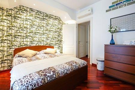 整套公寓租从31 12月 9999 直到31 12月 0000 (Via Padova, Milano)