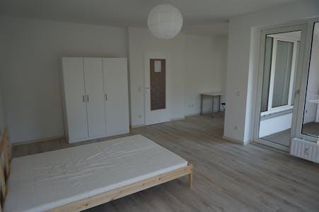 Room for rent from 01 juil. 2017  (Koloniestraße, Berlin)