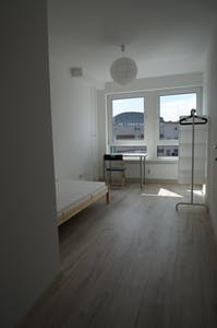 Room for rent from 16 Apr 2018 (Koloniestraße, Berlin)