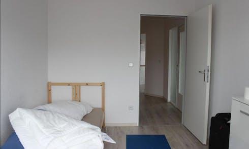 Room for rent from 01 Aug 2018 (Koloniestraße, Berlin)