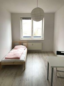 Room for rent from 01 Jul 2018 (Koloniestraße, Berlin)