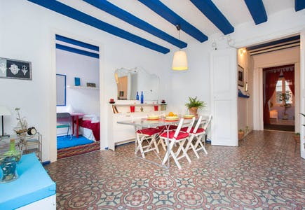 Private room for rent from 01 Apr 2019 (Carrer de Freixures, Barcelona)