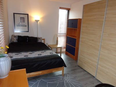 Room for rent from 23 Sep 2017 till 01 Sep 2019 (Vlinderstraat, Rotterdam)
