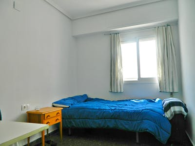 Private room for rent from 01 Feb 2019 (Carrer d'Alboraia, Valencia)