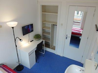 Kamer te huur vanaf 30 Oct 2017  (Voorschoterlaan, Rotterdam)