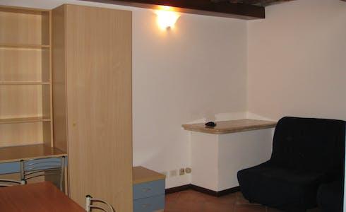 单间公寓租从01 7月 2018 (Via Vallerozzi, Siena)