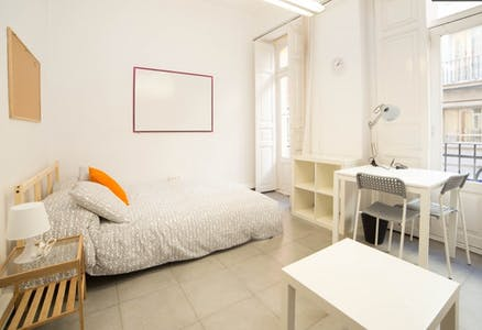 Zimmer zur Miete von 31 Mai 2019 (Carrer de Martínez Cubells, Valencia)