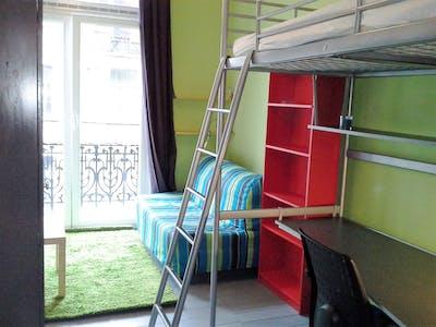 Privé kamer te huur vanaf 01 Aug 2019 (Rue de Haerne, Etterbeek)
