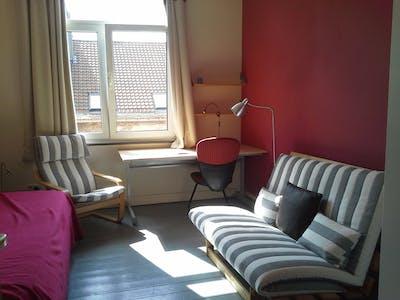 Privatzimmer zur Miete von 02 Jan 2020 (Rue de Haerne, Etterbeek)