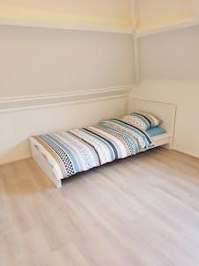 Privé kamer te huur vanaf 18 Jan 2020 (Hugo Molenaarstraat, Rotterdam)