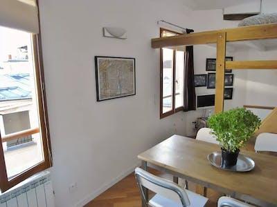 Appartement te huur vanaf 13 Dec 2019 (Rue des Ecouffes, Paris)