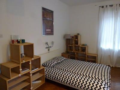 Room for rent from 01 Oct 2017 till 31 May 2018 (Tobačna ulica, Ljubljana)