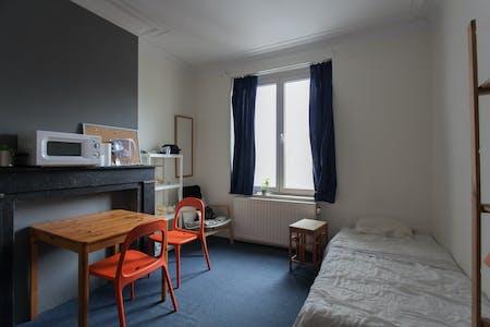 Privé kamer te huur vanaf 01 Feb 2020 (Rue Luther, Brussels)