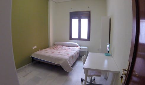 Private room for rent from 01 Feb 2020 (Calle O'Donnell, Sevilla)
