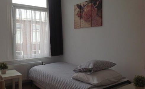 Chambre à partir du 01 juil. 2018 (Hendrik van Deventerstraat, The Hague)