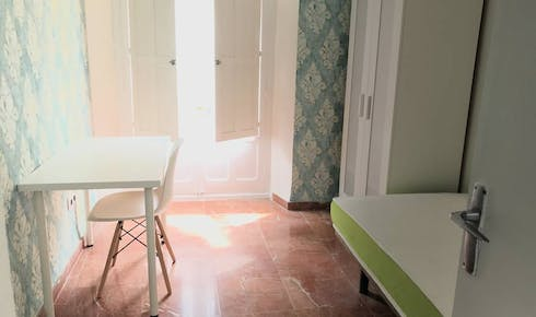 Room for rent from 01 Jul 2019 (Calle Santiago, Sevilla)
