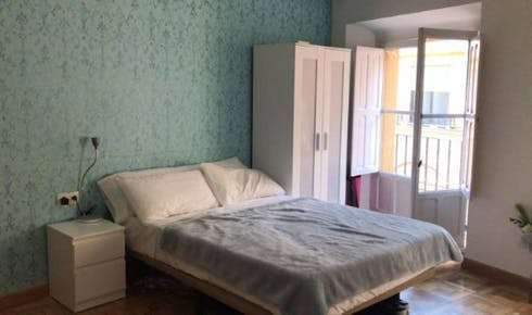 Room for rent from 01 Jul 2018 (Calle Santiago, Sevilla)