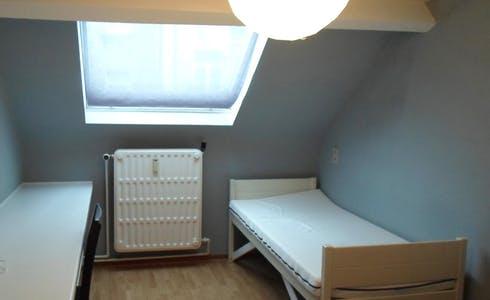 Room for rent from 01 Jul 2018 (Rue de la Constitution, Schaerbeek)