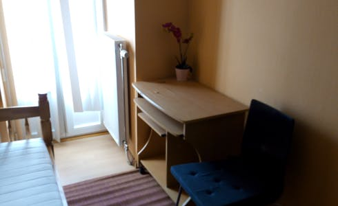 Room for rent from 01 Apr 2018 (Rue Traversière, Saint-Josse-ten-Noode)