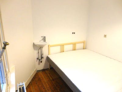 Private room for rent from 01 Oct 2019 (Rue Stevin, Brussels)