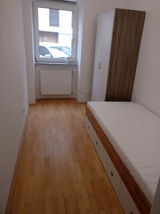 Private room for rent from 01 Apr 2019 (Rötzergasse, Vienna)