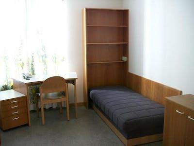共用的房间租从21 1月 2019 (Donaufelder Straße, Vienna)