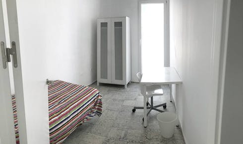 Private room for rent from 16 Jun 2019 (Calle Pedro López, Córdoba)
