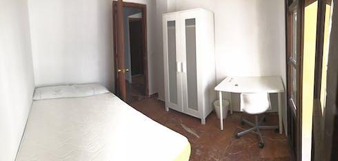 Room for rent from 01 Jul 2018 (Pasaje Saravia, Córdoba)