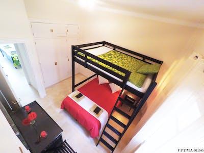 Private room for rent from 15 Sep 2019 (Avenida de Manuel Agustín Heredia, Málaga)