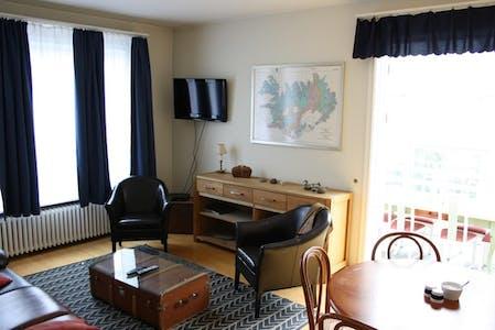 Habitación privada de alquiler desde 01 sep. 2019 (Tjarnargata, Reykjavík)