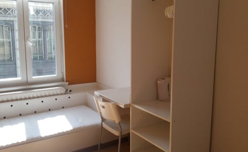Room for rent from 21 Jan 2018 (Rue de la Constitution, Schaerbeek)