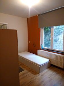 Quarto privativos para alugar desde 01 Apr 2020 (Rue de la Constitution, Schaerbeek)