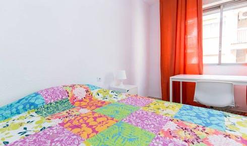 Quarto para alugar desde 01 ago 2018 (Calle Pedro Antonio de Alarcón, Granada)