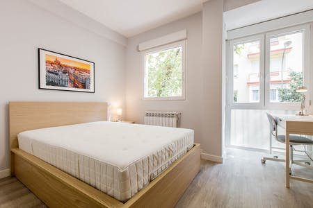 Room for rent from 12 Apr 2019 (Calle del General Varela, Madrid)