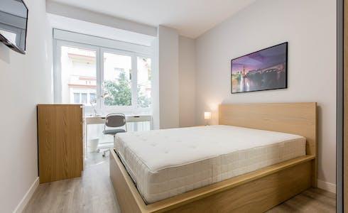 Room for rent from 01 Jul 2018  (Calle del General Varela, Madrid)