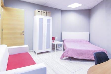 Zimmer zur Miete von 30 Sep. 2018 (Carrer de Sant Vicent Màrtir, Valencia)