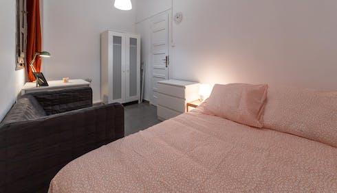 Room for rent from 30 Apr 2018 (Carrer de Matias Perelló, Valencia)